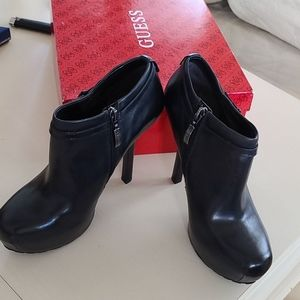 Guess/ Graciale Black Leather Booties